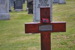 unknown Norwegian's grave, Lunna, Shetland