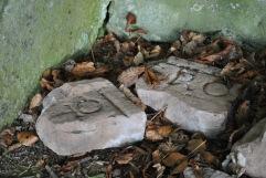 tomb Gordon Rhynie Gothic