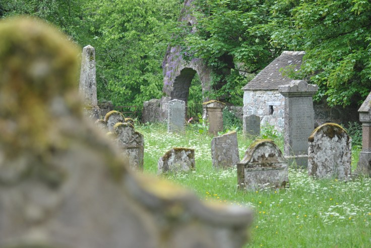 A morthouse houses the dead but only for a short period of time. In the days of the body-snatcher and resurrectionists (19th century) who would dig up freshly buried courses to sell them for good profit to surgeons for clinical studies.