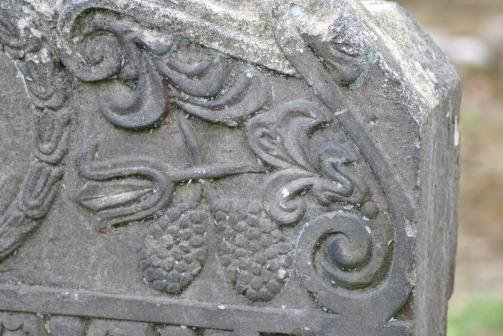 Muiravonside Kirkyard (57)