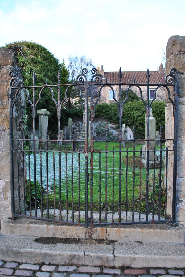North Queensferry St James chapel sailor graveyard graveyards of Scotland
