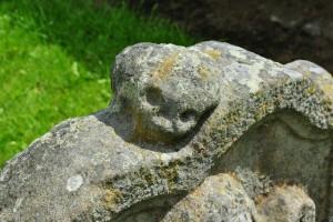 skull headstone old