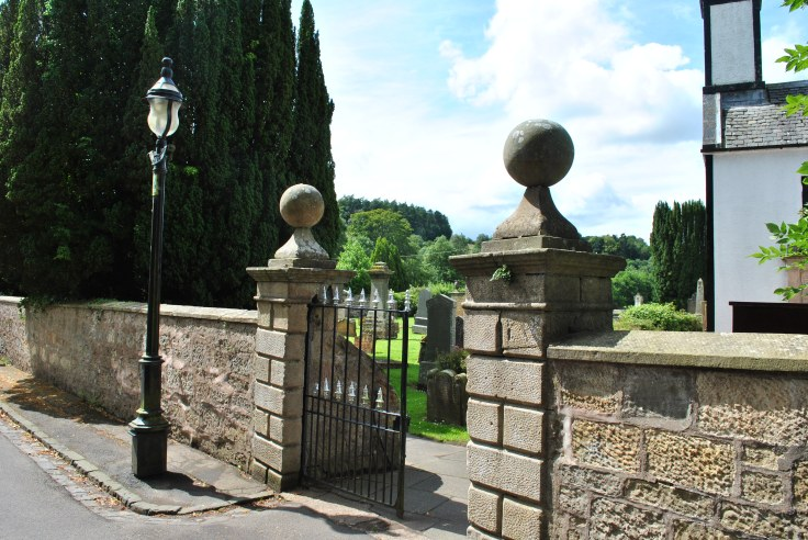 gate Dalserf cemetery