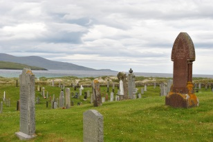 ©nme Graveyards of Scotland Isle of Harris Western Isle death on the beach