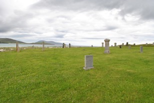 ©nme Graveyards of Scotland Isle of Harris Western Isle death on the beach