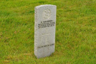 CWGC MacInnes Iolaire
