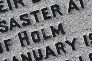 inscription Holm Iolaire memorial