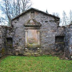 ©nme Graveyards of Scotland Nellie Merthe Erkenbach Botriphnie Churchyard